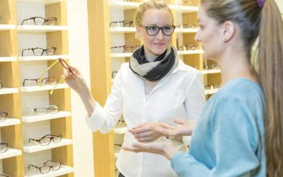 Wie werde ich Augenoptiker/in?